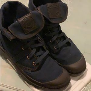 Palladium Pallabrouse Navy - Like New